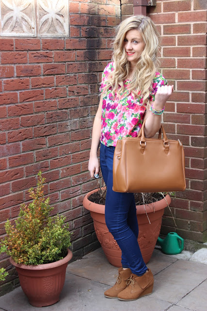 picture of floral spring OOTD with zara city bag