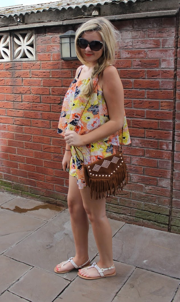 through chelsea's eyes, playsuit, floral, red lip, fringe bag, sunglasses