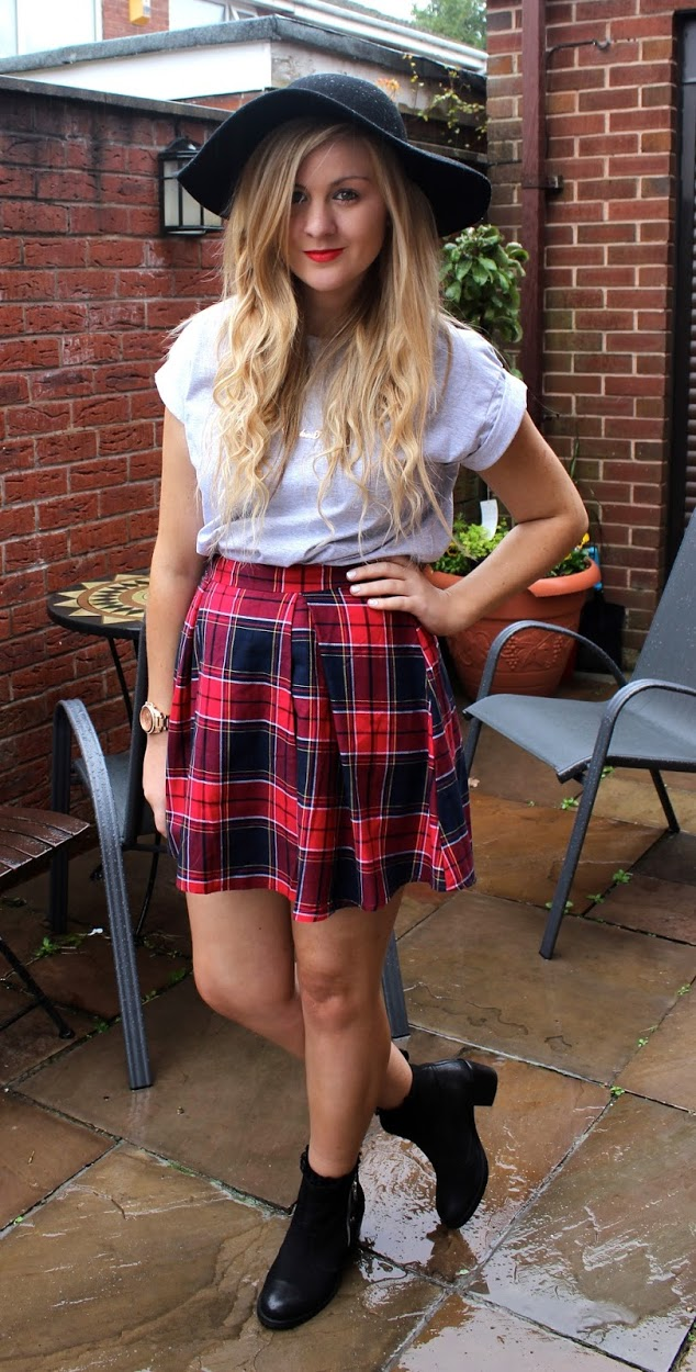 tartan skirt, skater skirt, tartan skater skirt, black floppy hat, fashion, ootd, through chelsea's eyes, chelsea yates, tartan