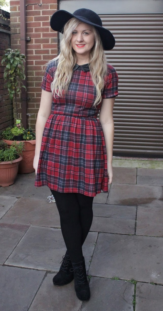 tartan, skater dress, collar, blog, fashion, ootd, outfit, style, what i wore, outfit post, fashion , through chelsea's eyes, floppy hat, tartan dress, leather collar
