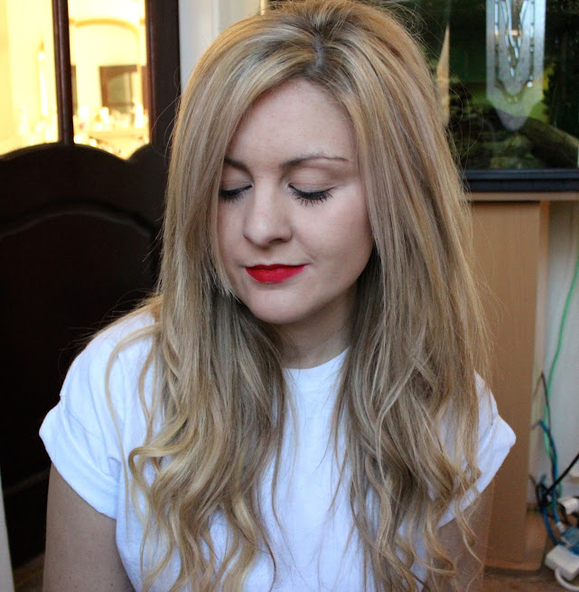festive red lip, red lip, mac, mac ruby woo, mac lipstick, review, through chelsea's eyes, a/w lipstick, mac ruby woo being worn, swatch