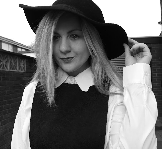 pinafore, black pinafore, dahlia, collar shirt, scallop shirt, fashion blog, through chelsea's eyes, floppy hat