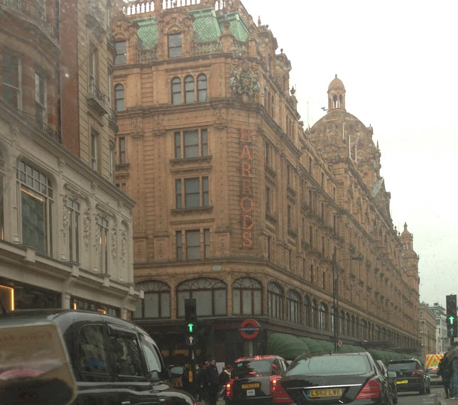 a day in london, lifestyle, london blog, through chelsea's eyes, harrods