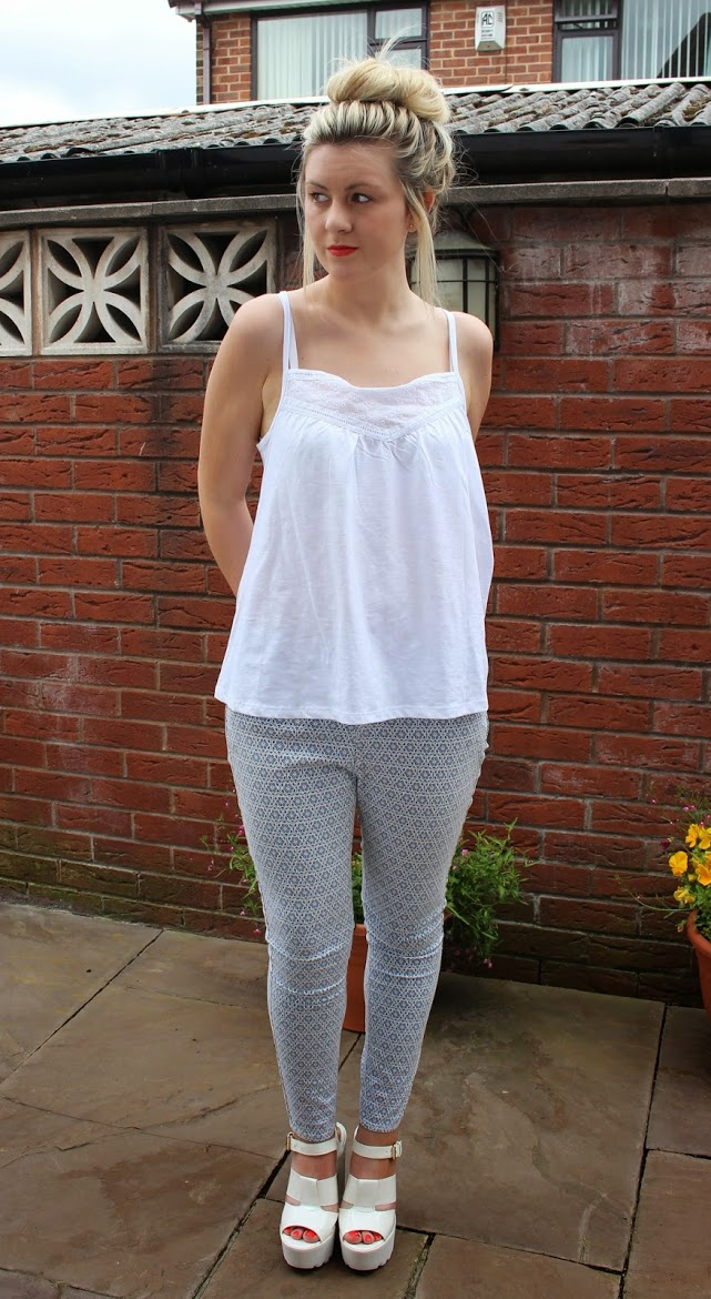 ootd, fashion, cleated sole shoes, patterned trousers, simple outfit, through chelsea's eyes,
