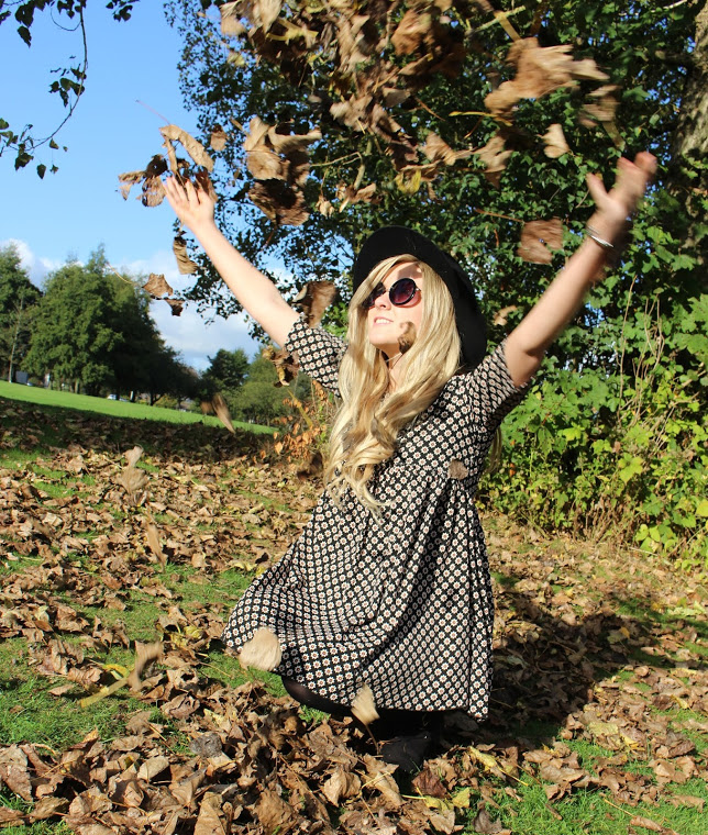 missguided, smock dress, autumn, autumn ootd, autumn fashion, fashion blogger, style blogger, through chelsea's eyes, fedora hat